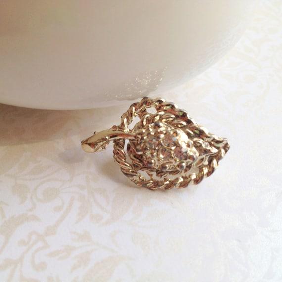 Vintage 8 Dollar Sale. Small Leaf Brooch. Woodland. Rhinestones. Teeny Leaf. Nature. Small Pin. Dainty. 1970s. Silver Tone Leaf. Miniature.
