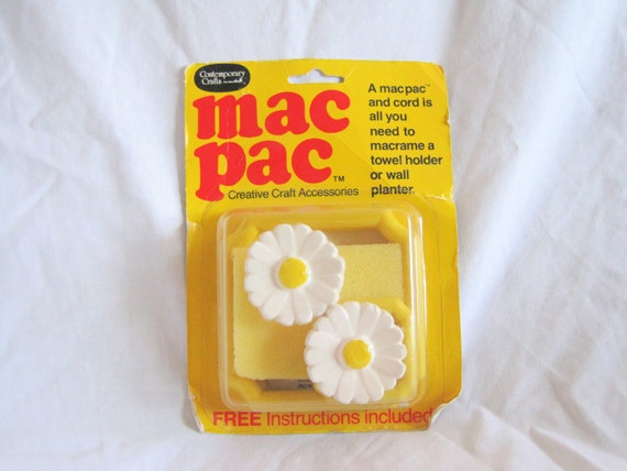 Vintage 6 Dollar Sale. Mac Pac Macrame Daisy Towel Holder Kit. Circa 1980s. Craft. Retro. Housewares. Towel Holder. Yellow. White. Kitchen