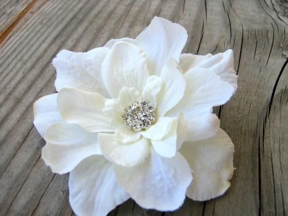 Bridal Ivory Small Flower Fascinator Hair Pin Wedding Floral Clip Silk Flower Brooch Corsage Dress Sash Rhinestone Crystal Pin