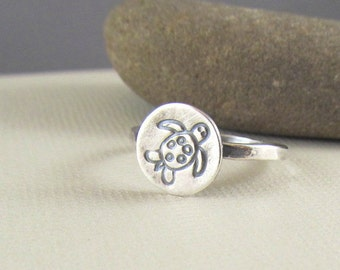 Sea Turtle Ring in Sterling Silver -  sea life jewelry - beach jewelry - Turtle Ring
