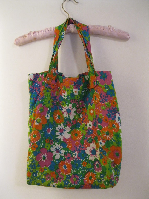 vintage 1960s market tote GROOVY floral design shopping bag purse