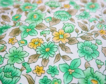 FREE SHIPPING Japanese Cotton Fabric - Peonies and Lily Fabric in Green (F073) Fat Quarter
