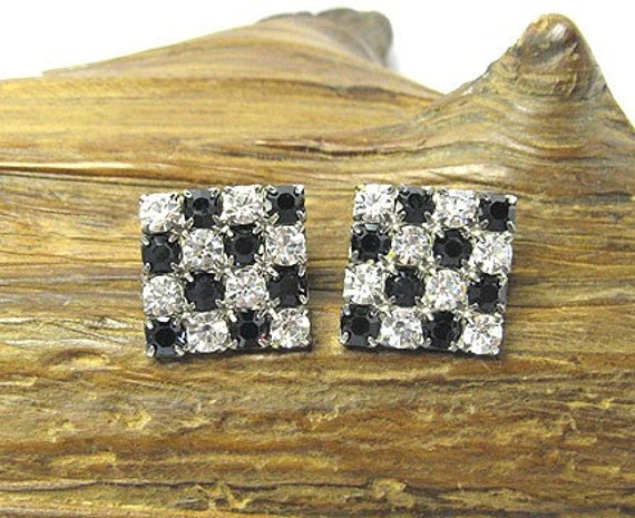 Vintage Black and White Stone Earrings