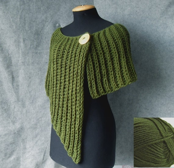 Knitted poncho asymmetrical and very beautiful for autumn