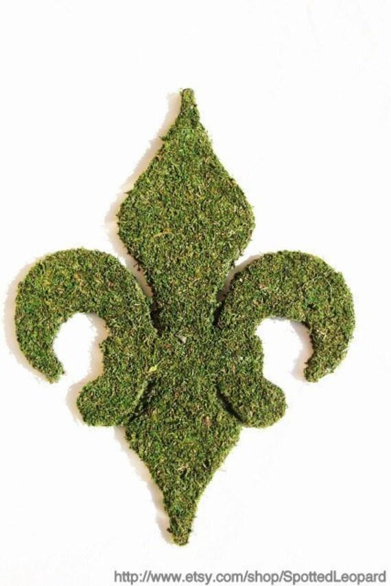 Moss Covered 18 inch Fleur De Lis Door Wreath