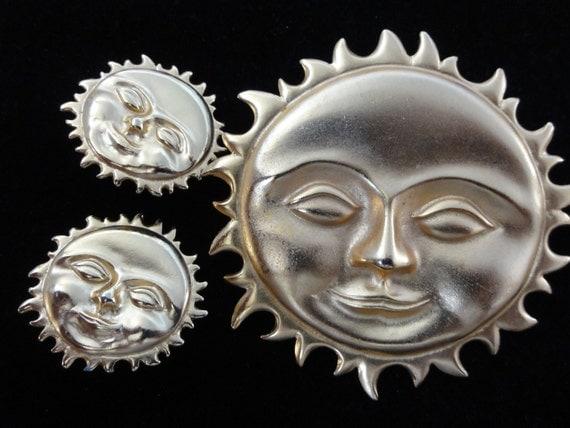 Vintage LARGE Golden Sunburst Face Brooch & Clip-On Earrings SET