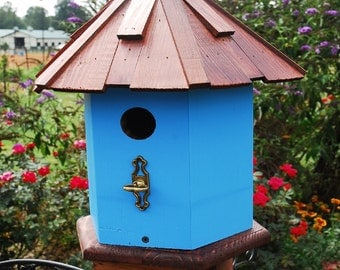 Bluebird House. Cottage Bird House, Wooden Birdhouses