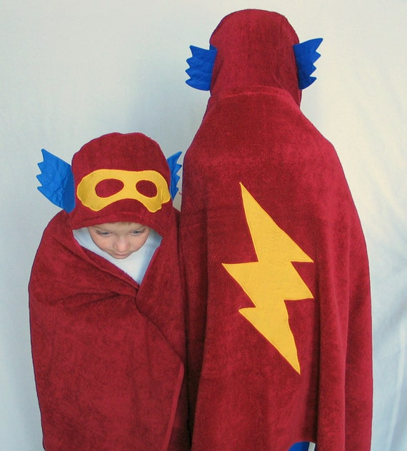 PERSONALIZED Hooded Towel -  Little SuperHero - Great Gift for Bath, Beach or Pool