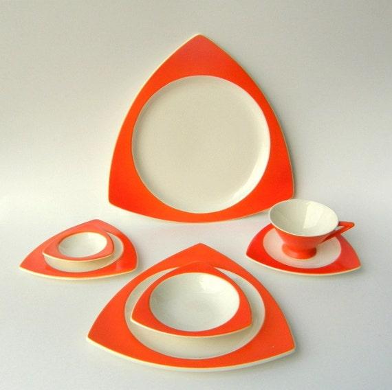 Atomic Salem Streamline Tricorne Dinnerware Service for 4 in Mandarin Orange - RESERVED for STACEYFOOT
