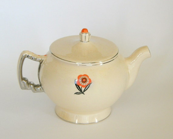 Vintage Leigh Ware Teapot: 'Mayfair' in Umbertone by Leigh Potters - 1930s Art Deco 'Ultra Moderne' Shape, J. Palin Thorley Design