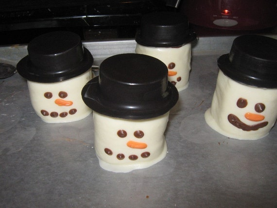 Marshmallow Snowman with Chocolate covered sandwich cookie hat (limited edition)