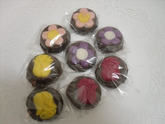 Flower Design Chocolate Covered Oreos