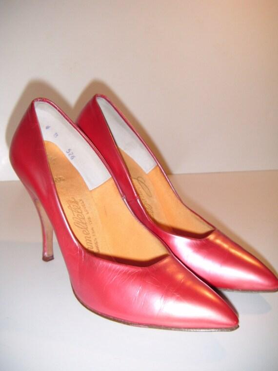 Vintage 1950s Carmelletes coral pumps heels leather