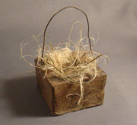 TINY BASKET - An Itty Bitty Concrete Box