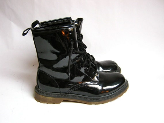 shiny black vinyl patent combat boots 8 5
