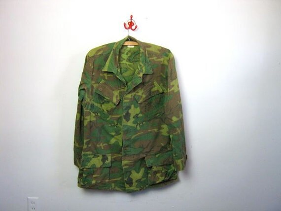 Vintage men's green camouflage army long sleeve shirt jacket