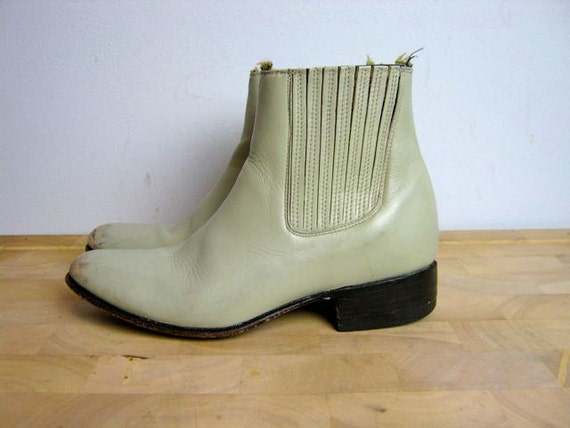 vintage 70s off white leather ankle boots