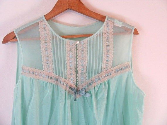 Vintage minty green slip nightie / nightgown with matching robe coverup L