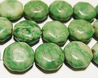 Green jade bead