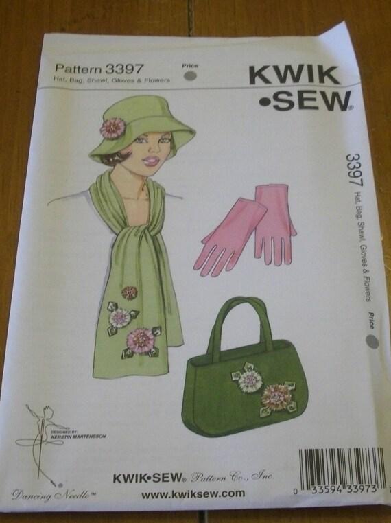 Hat, bag, shawl, gloves, flowers 3397  pattern Kwik Sew uncut