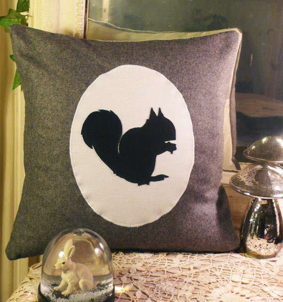 Squirrel Silhouette cushion cover (grey flannel)