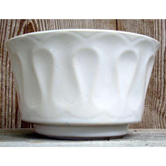 Lancaster Colony Corporation Floraline flower pot