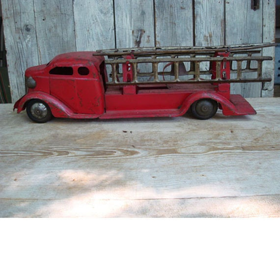 1930s Turner Toy FIRE TRUCK with Ladders