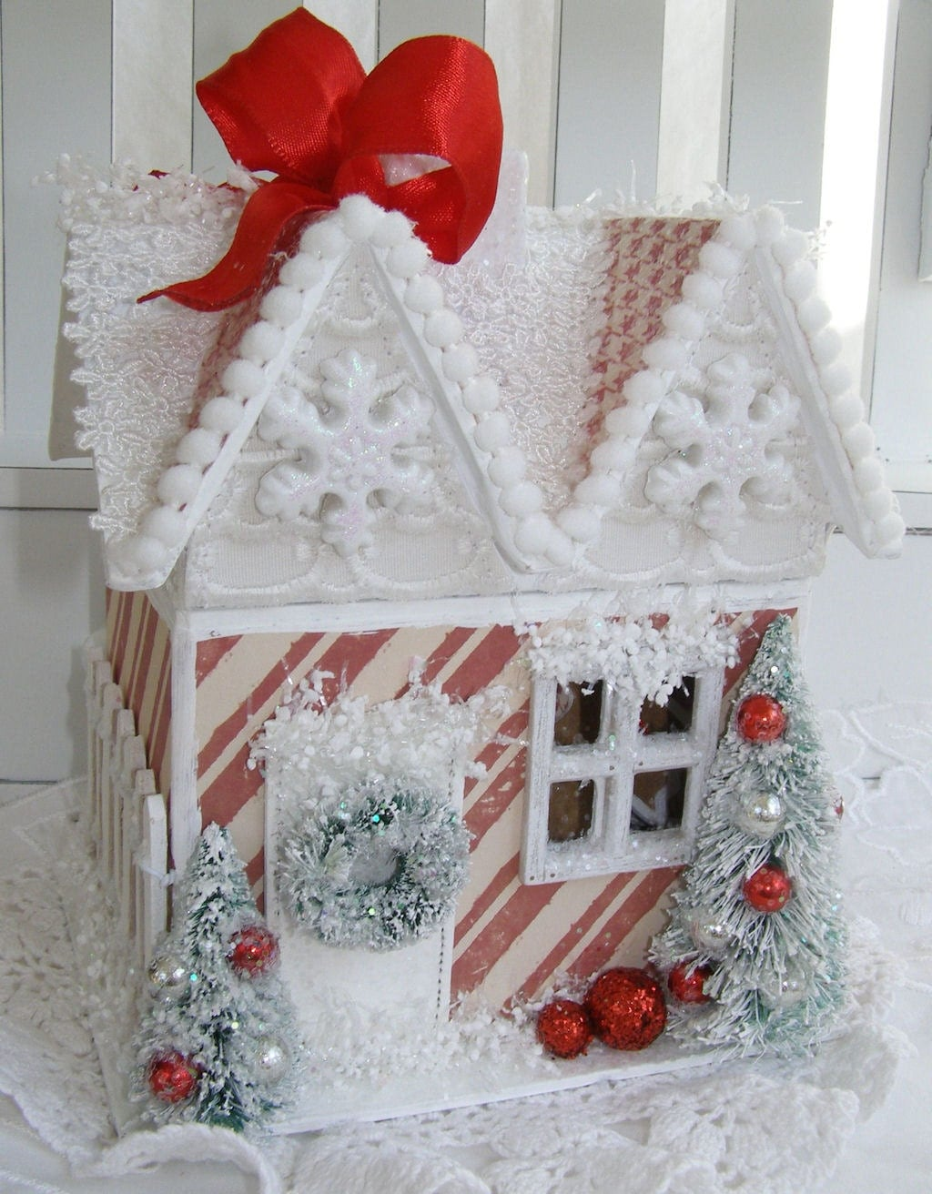 gingerbread house christmas decoration and ornaments. Black Bedroom Furniture Sets. Home Design Ideas