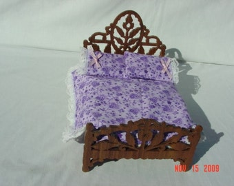 victorian style Pukifee or Lati doll bed