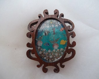 Tiny doll house seascape picture