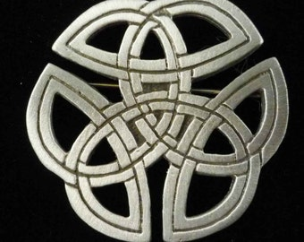 Celtic Knotwork Brooch Pin - Celtic Jewelry in fine Pewter by Treasure Cast Pewter #0655