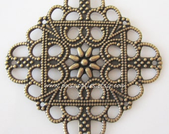 Focal, Antiqued Gold 35X35mm Single-Sided Filigree Square, 8 Loops