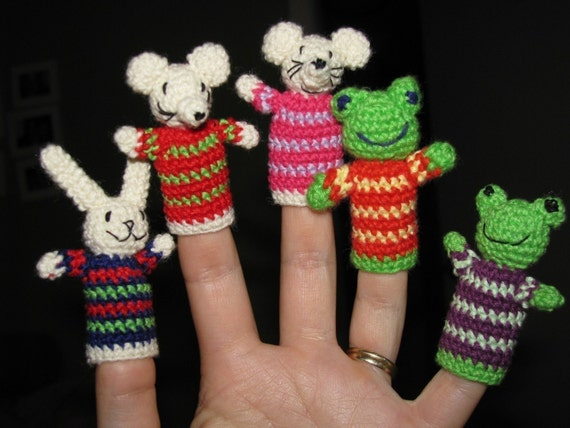 Finger puppets crochet pattern toy for bunny rabbit mouse and for Frog finger puppet template