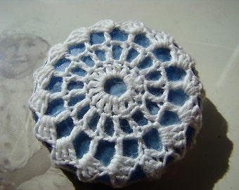 Recycled button and vintage crochet doily brooch, blue\/white