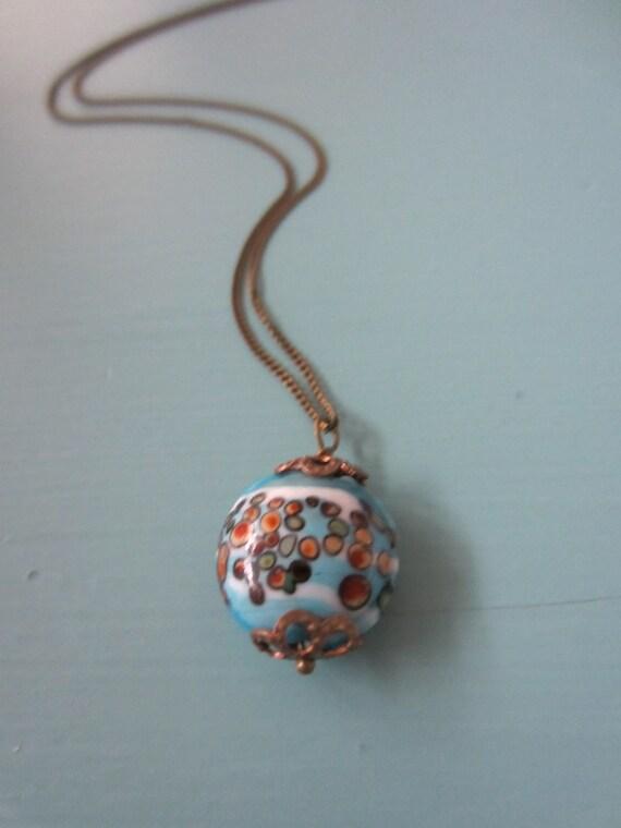 Retro Circles . necklace .