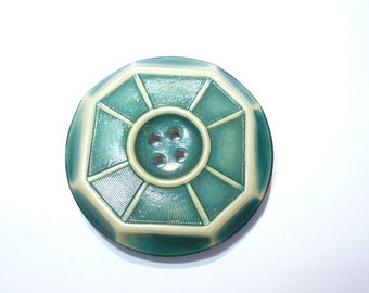 Vintage Tightop Celluoid Spoke Wheet Green and Cream 1 1/8 Inch Button AM4