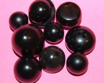 Vintage 9 Coal Black Round Top Buttons M2L