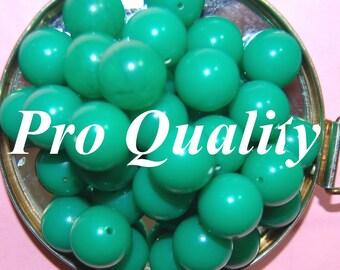 Vintage 10 Kelly Green 16mm Lucite Round Beads  FL7