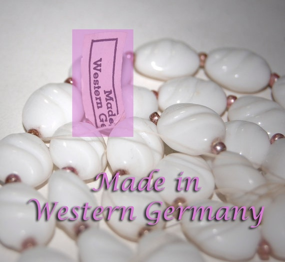 Vintage Lot of 1 Strand (25 beads) German Made Glass Beads 15X12MM  BL2