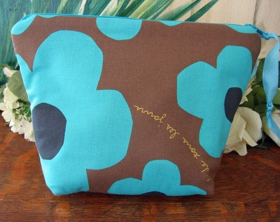 Cosmetic Chubby Pouch Bag with oilcloth handmade by Needfulwishes