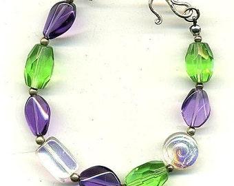 Sparkling Purple Quartz and Glass Bracelet