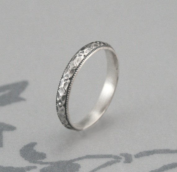 SAMPLE SALE--Renaissance Wedding Band or Stacking Ring--US Size 6.75--Diamond and Floral Patterned Band with Milgraine Edge--Polished Finish