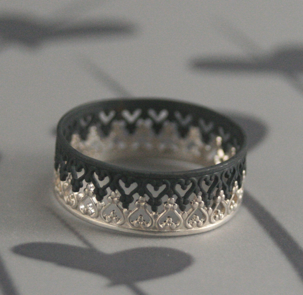 queen of heartsblack majesty crown inspired wedding band