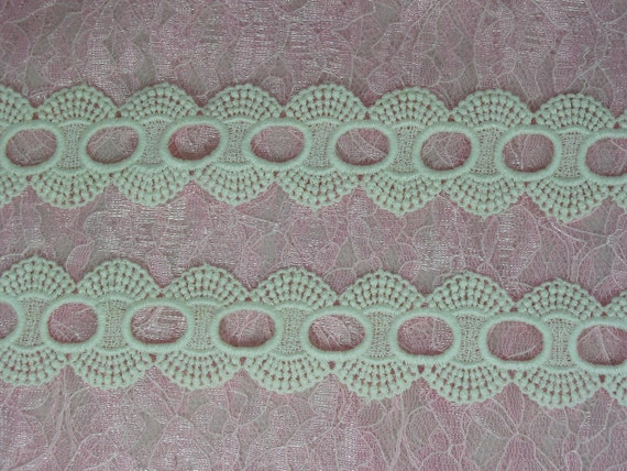 1 Yard of Gorgeous White colored Venise lace Bridal trim
