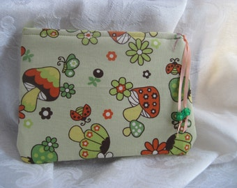 Zipper purse - mushroom print