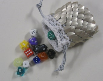 Scalemail Dice Bag in knitted Dragonhide Armor Paladin, small size