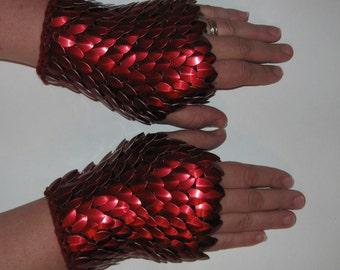 Armor Gauntlets knitted Dragonhide Scalemail Blood Red Choose your size
