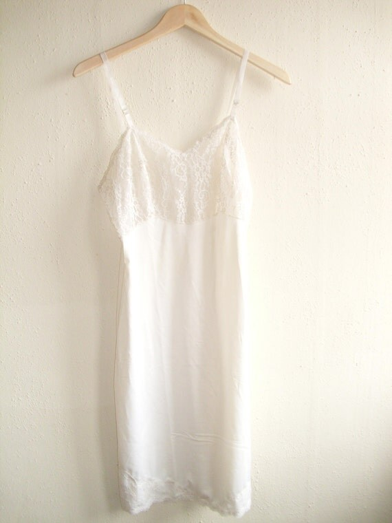 The Lucy Honeychurch Vintage White Wedding Slip Romantic Lace Floral Bodice  1980s Lacy Details Medium Size 5 or 6