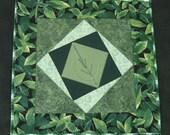 Green leaves plate mat