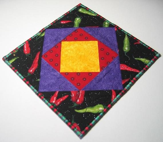 Chilli plate mat (yellow center)